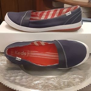 Keds  sz7.5 Red White and Blue boat shoes